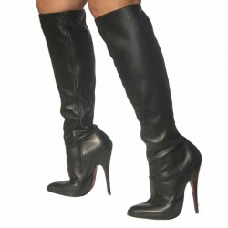 High-heeled boots with zip